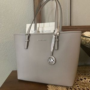 Beautiful MK medium tole gray♥️